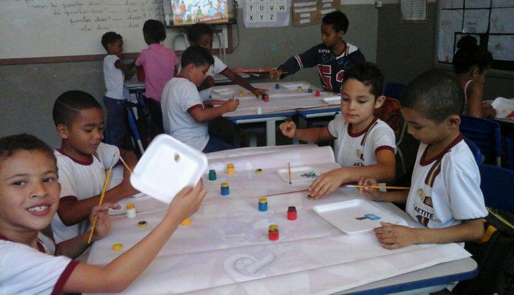 Alunos do Conceição Pontes participam de aula sobre Tarcila do Amaral e Carybé