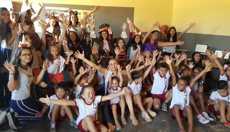 Alunos da Coopec realizam projeto Jovem Solidário em escola municipal do povoado de Tanquinho