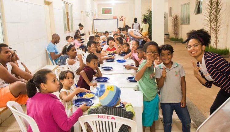 CRAS Urbano e Alpha Vestibular e Cursos realizam atividades sociais em Caetité