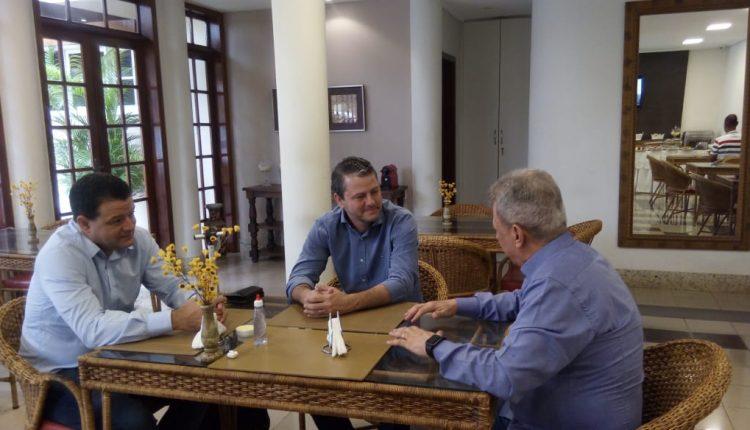 Prefeito Aldo Gondim participa de reunião com Presidente e Diretor da INB