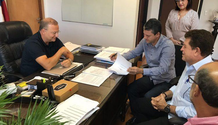 """NOTA OFICIAL: """"Unacon será construída em Caetité"""", afirma prefeito Aldo Gondim"""