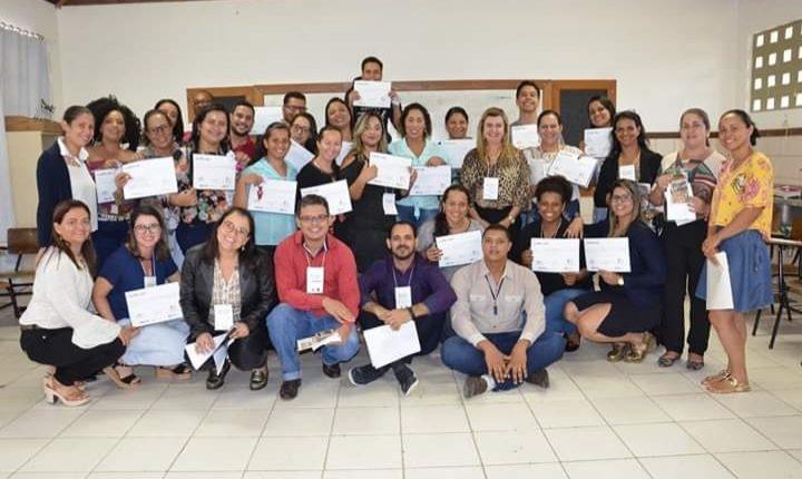 Gestor do Bolsa Família em Caetité ministra capacitação para gestores e técnicos do programa na Chapada Diamantina