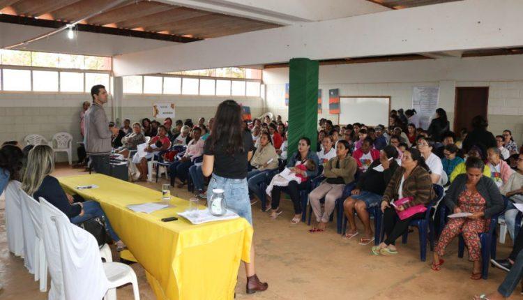 Prefeitura realiza reunião com mais de 100 famílias referenciadas no CRAS Urbano