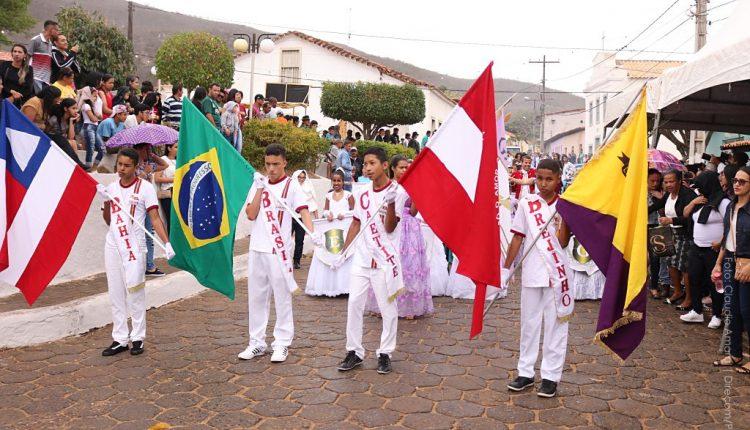 Distrito de Brejinho das Ametistas realiza desfile cívico em homenagem à Independência do Brasil