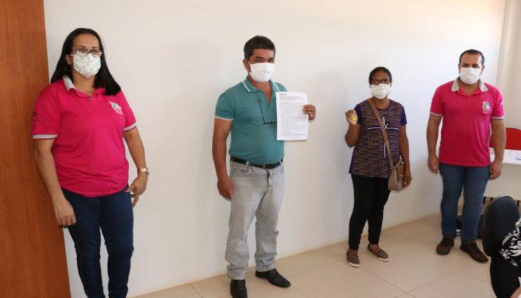 Caetité: Mais oito famílias assinam contratos do Minha Casa Minha Vida e realizam o sonho da casa própria