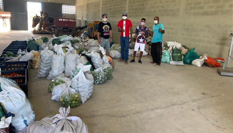 Prefeitura de Caetité, através do PAA, distribuiu mais de 3 toneladas de alimentos no bairro Prisco Viana e na Feira Velha
