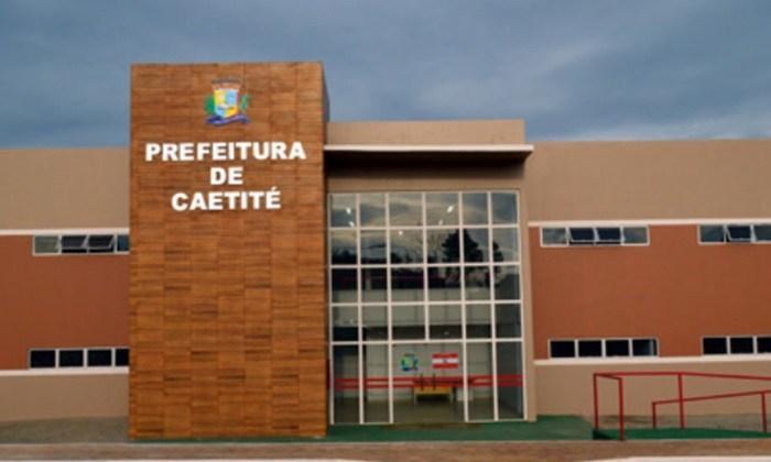 Prefeito de Caetité prorroga decreto e evita desligamento de contratados